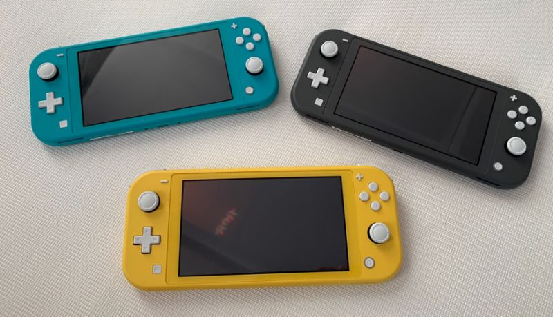 Nintendo-Switch-Lite.jpg